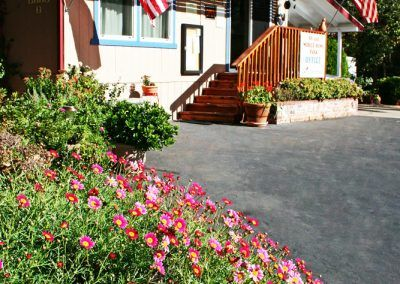 Get comfortable and stay a while at Quail Trails Village in Paradise, CA.